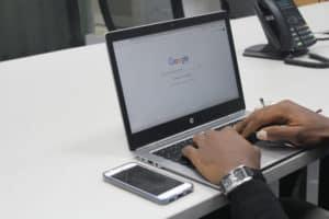 Hoe krijg je nieuwe pagina's snel in Google?