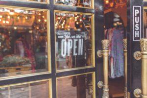 De zin en onzin van adverteren op je eigen bedrijfsnaam