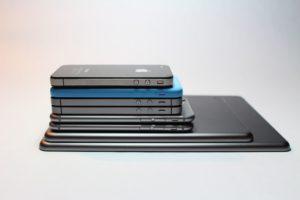 Video: Waarom alle smartphones dezelfde vorm hebben